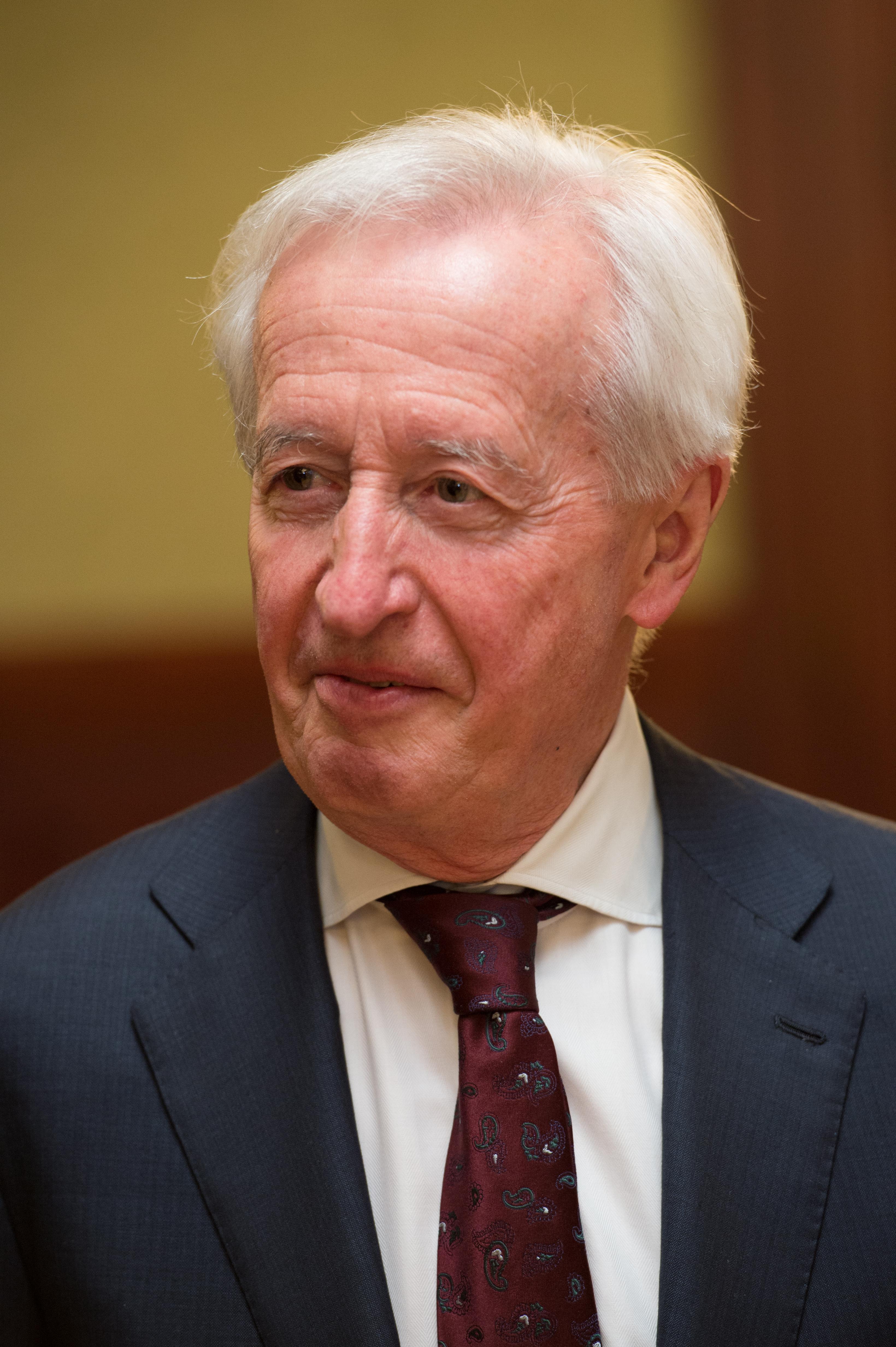Prof. Péter Horváth moderátor